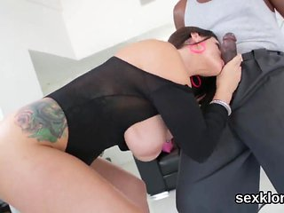 Pornstar idol gets her butthole shagged with hefty cock