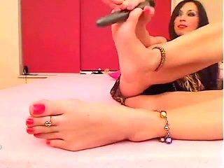 Feet on kamerce