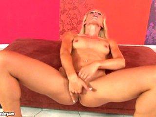 Sophie Moone toys her juicy twat for your pleasure