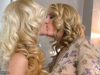 Bianca Golden and Blue Angel kissing in ladies room