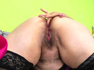 Mature Hairy Lisah - Pussy Workout