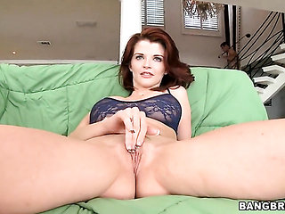 Milf Joslyn James had her skillful hands banged a hundr...