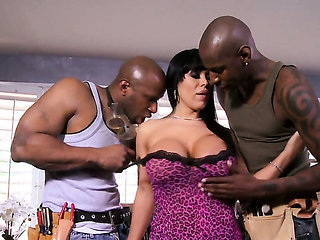 Sienna West with juicy knockers gets her beaver stretch...