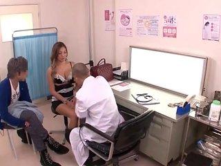 Jap scopata dal dottore