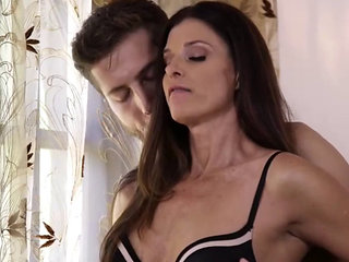 India Summer - Squirting Stepmoms