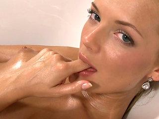 Stasha Rubs Her Body In The Tub