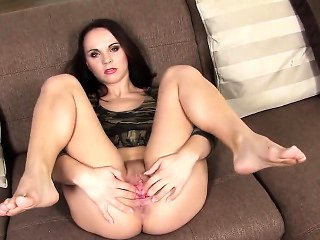 Peculiar czech chick spreads her spread cunt to the str...