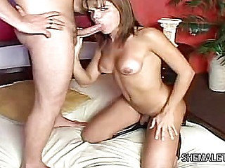 Tranny Offers Ass