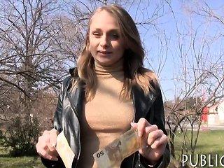 Amateur Czech girl gets her twat banged for a few bucks