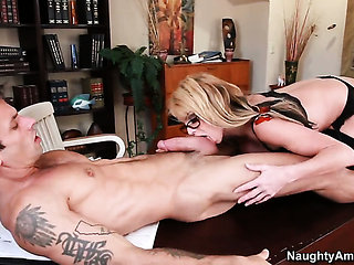 Taylor Wane has hardcore fun with hot fuck buddy Alan S...