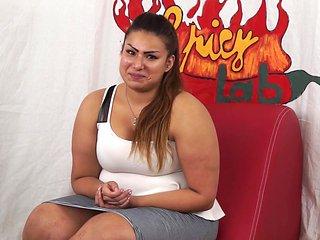 Casting a una ragazzina peruviana BBW di nome sharon. U...
