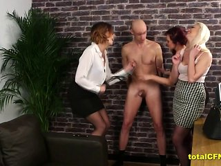 Eva And Friends Humiliate A Wanker