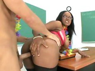 Big butt Sinnamon Love gets fucked by a meaty pole from...