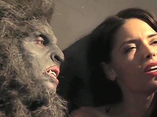 Wolfcop (2014) Sarah Lind, Cheryl Mazil