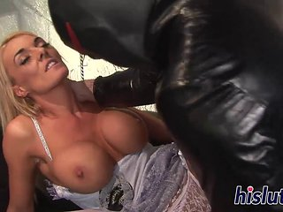 Stacked Bride Has Her Orgasmic Muff Nailed
