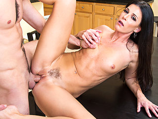 India Summer & Lucas Frost in MyFriendsHotMom