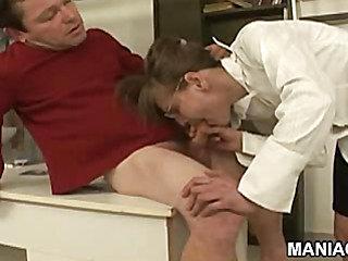 Midget sex 101