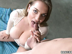 Diem Moore is giving a blow job
