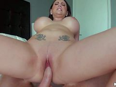 Round assed Ashton Pierce with amazing