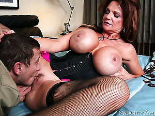 Exotic with juicy knockers and hairless muff learns mor...