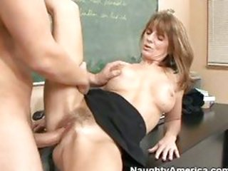Matured whore Trisha Lynne gets fucked on her hairy twa...