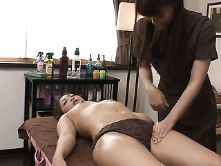 Milf cant live a day without touching her fuck hole