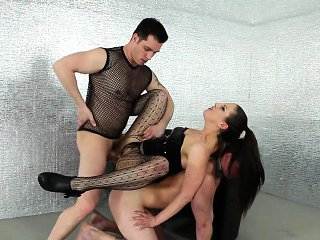 Babe spits cum in 3some