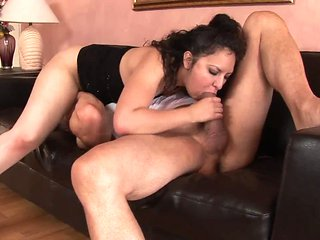 Big Booty Latina Gets Her Pussy Eaten Before Banging
