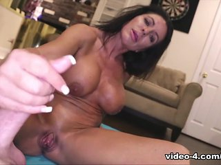 Simone G: Muscle Milked- Over40Handjobs