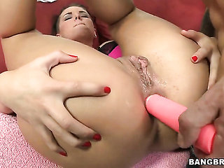 Christy Mack cant get enough and takes dick in her loo...