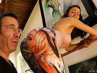 John Stagliano gets pleasure from fucking Luna C. Kitsuen