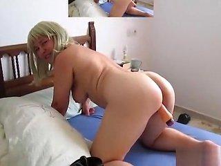 Erika is masturbating for an userwish