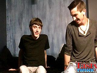 Zach Carter & Jacob Tyler - Hot Boyfriends Flip Flop