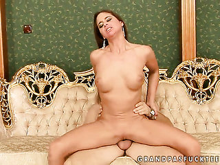 Brunette with giant boobs fucks like no other and hard ...