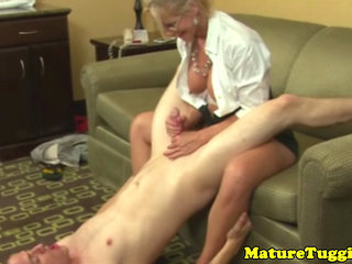Mature Jerking Amateur Sucking Balls