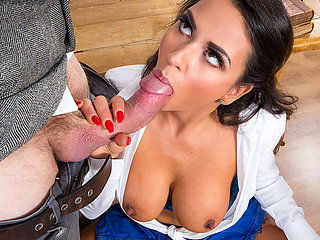 Schoolgirl Roxxy Lea seduce and fucks with tutor