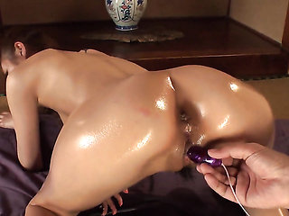Milf Mikuru Shiina is in the mood for pussy stroking