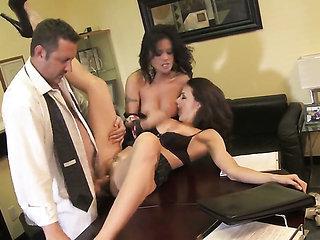 Chanel Preston shows her cock sucking skills