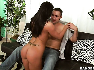 Brunette Savannah Stern asks her man to fuck her sweet...