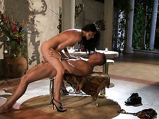 India Summer sucks like a pro in oral action